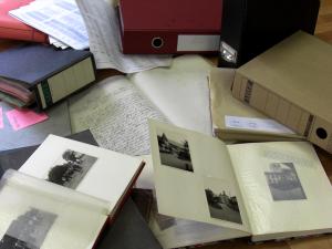 Professionelle Recherche in Archiven und darüber hinaus.